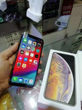 +# selling my apple iPhone model sell xs max sell with bill box warran