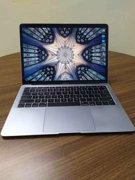 Macbook Air 2018 retina 13in, space grey, pre-used excellent condition