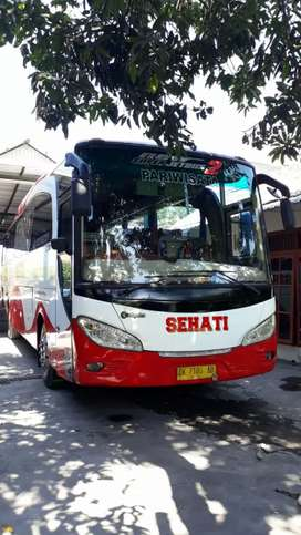 Bus Hino R260 Adi Putro sudah Air Suspension