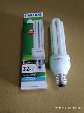 Lampu Philips Essential 32 watt