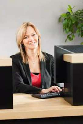 Urgent Female Candidates Required For Bank Cashier