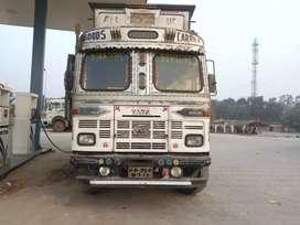 Tata truck 10 wheelar