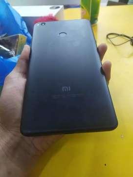 Xiomi mi max 2 4/64 gb fullset no minus TT di bawah nya
