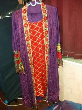 Beautiful gown suit lawn large size in new condition