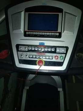 World treadmill automatically