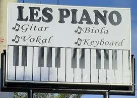 Les piano gitar biola vocal keyboard