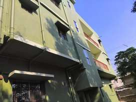 2 bhk flat with separate car parking and available for family only
