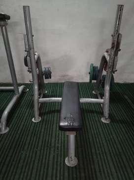 Flat bench barbell press