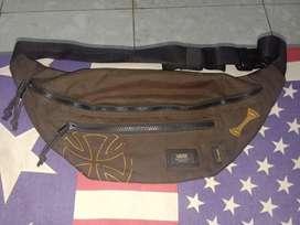VANS x INDEPENDENT waist bag.