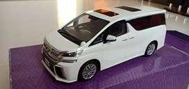 Miniatur Toyota Vellfire Skala 1:18 kyosho