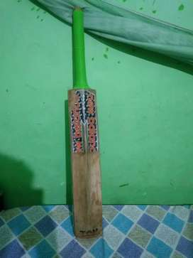 Good condition english willow cricketrs bat