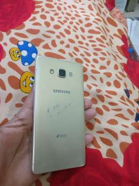 samsung a7  in good condition for 4999