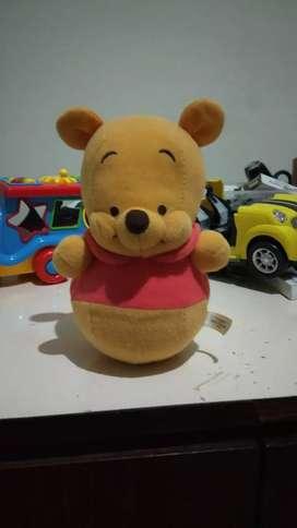 Boneka goyang Winnie the pooh