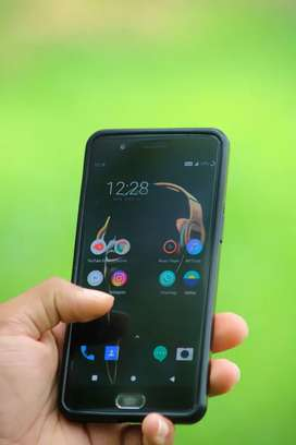 OnePlus 5 - ( 6 gb - 64 gb ) Full box with good condition