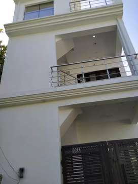 House sale new bana rahe hai loan suvida80%