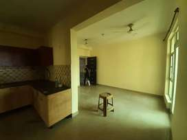 2+1 bhk semi furnished flat available in 6th Avenue gaur city