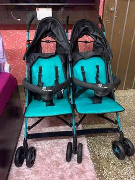 Twin baby stroller/pram (used just 3-4 times) price negotiable