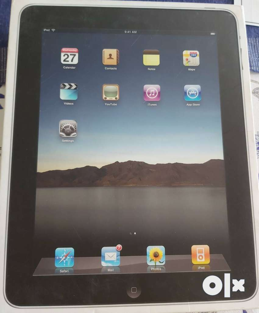 iPad 1 Wifi 16GB with box (A1219), USB cable, screen guard and cover 0