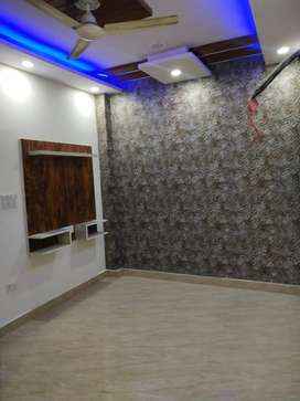2 BHK READY TO MOVE FLAT WITH CAR PARKING AND LIFT