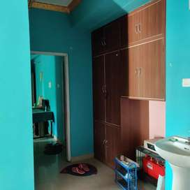 2 BHK FLAT.  Ready to move.  Prime Loacation