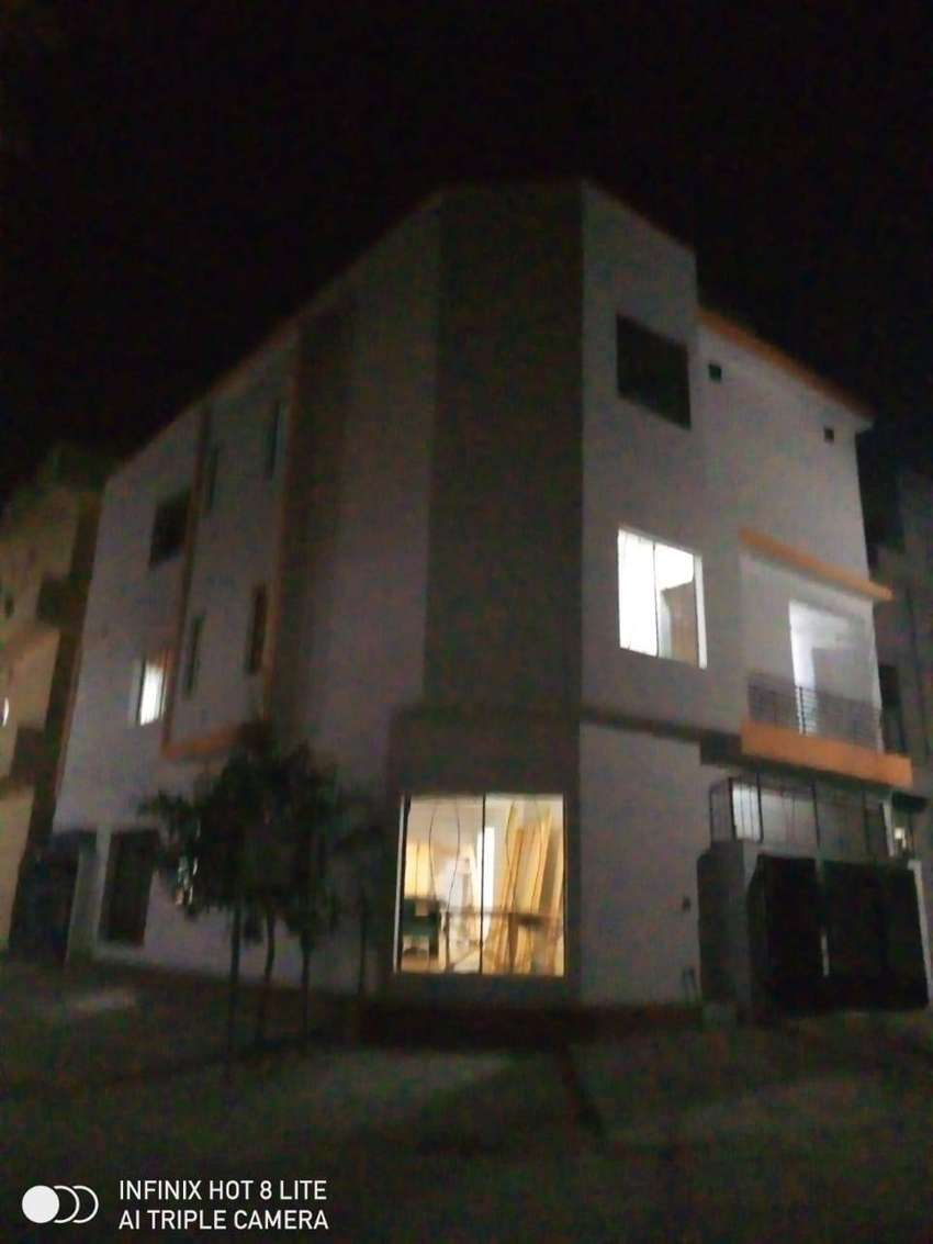 Hostel available in best locatiion 0