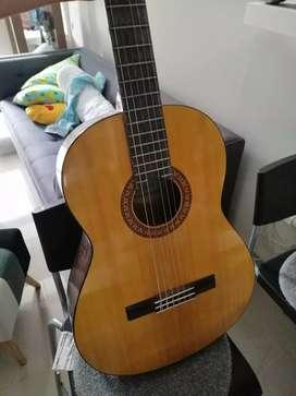 Gitar yamaha. C 315 Kondisi  siap pakai