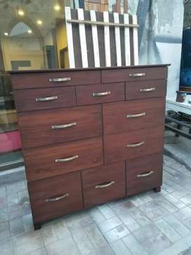 12 drawers chester