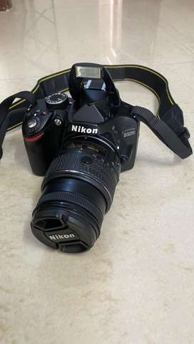 Nikon D3200 with 18-55 mm lens