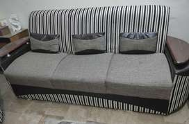 Slightly Used 5 sitter Sofa Set 18000