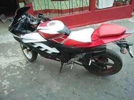 Yamaha R15!!! V2
