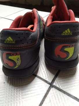 Adidas adi5 turf futsalboots