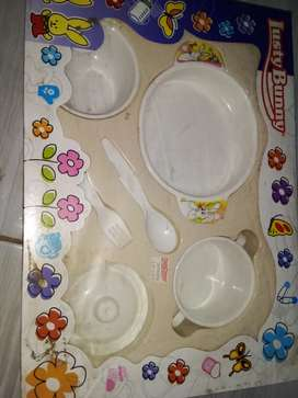 peralatan makan bayi 1 set