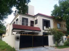 10 Marla house Gulbahar block bahria town for sale