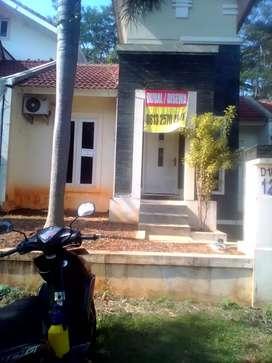 Di Jual / Di Sewakan Rumah Di Graha Taman Bunga BSB Semarang