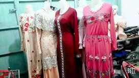 Dijual cepat patung2,gantungan gamis2 dan jilbab