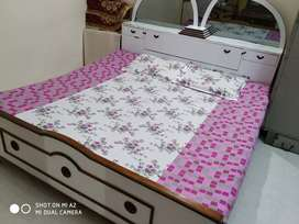 King size bed 6*7 feet