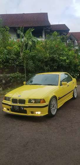 Bmw e36 320i LE Dakar Yellow
