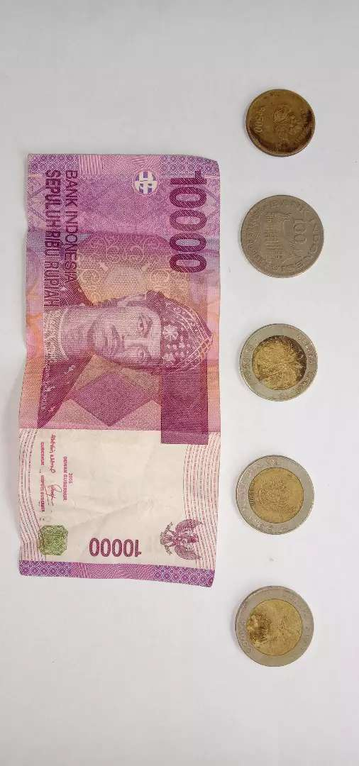 Dijual cepat Uang koin 1000 kelapa ,500 bunga melati,100,10000 jadul. 0
