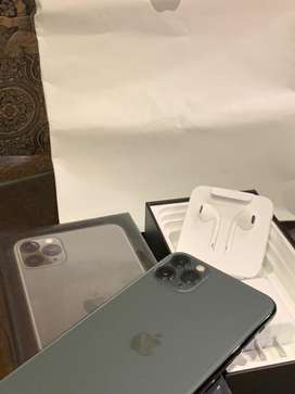 Iphone 11 pro max 64 gb pta approved few days use