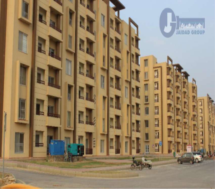 FULLY FURNISHED APARTMENT WITH 2 BED ROOMS IN BAHRIA TOWN TOWER--2 0