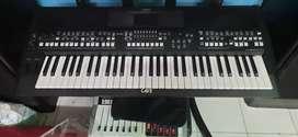 Keyboard yamaha sx600