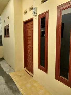 Dijual rumah kontrakan ada 3 pintu. Cocok untuk investasi.