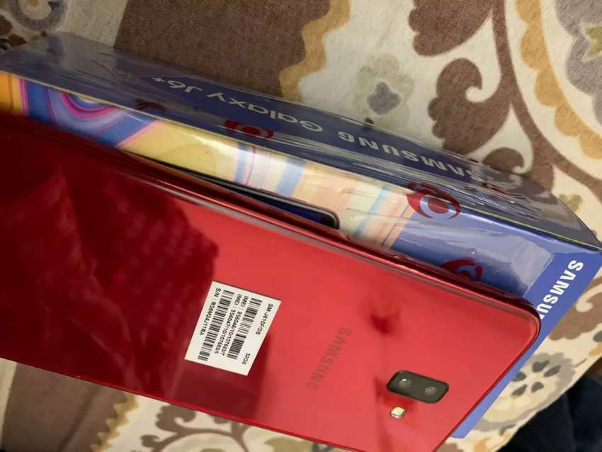 Samsung j6 plus in good condition and 10 month warenty 0