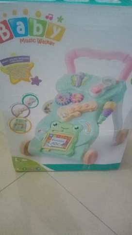 Baby walker + box
