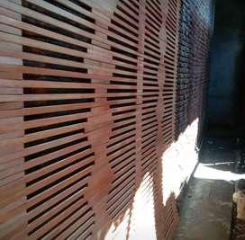 Tirai kulit dan rotan dan isi bambu