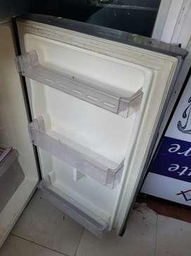 Want to sell refrigerator double door at vashi navi mumbai