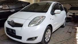 Toyota Yaris manual 2011