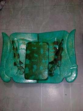Meja, Keris & dudukan Alqur'an dari giok bertuliskan tulisan arab