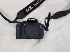 Canon Eos 700D with 18-55