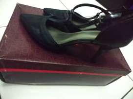 Sepatu Sendal Shoes Fioni Hills ( Payless )